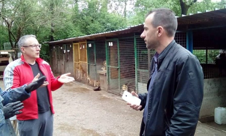 Švorinić posjetio volontere Azila za pse na Viškovu
